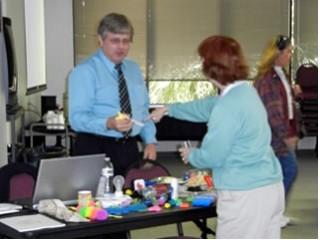 2010-12-04 Seminar--Sarasota-Steve teaching OT about fine motor items  031